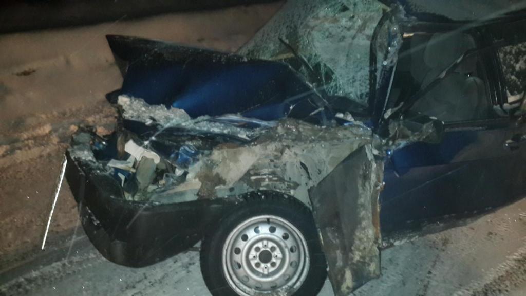 ВПерми студент ишкольник наВАЗе врезались в грузовой автомобиль